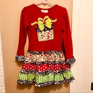 Adorable Christmas dress  Girls 5.